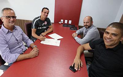Leandro Damião prorroga contrato com o S.C. Internacional até o final de 2018. Parabéns à Prattes Group!
